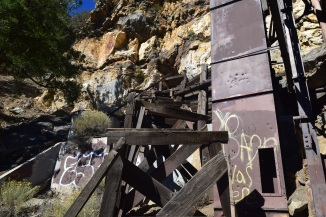 Opening to Big Horn Mine (why do people have to tag this sort of thing?)